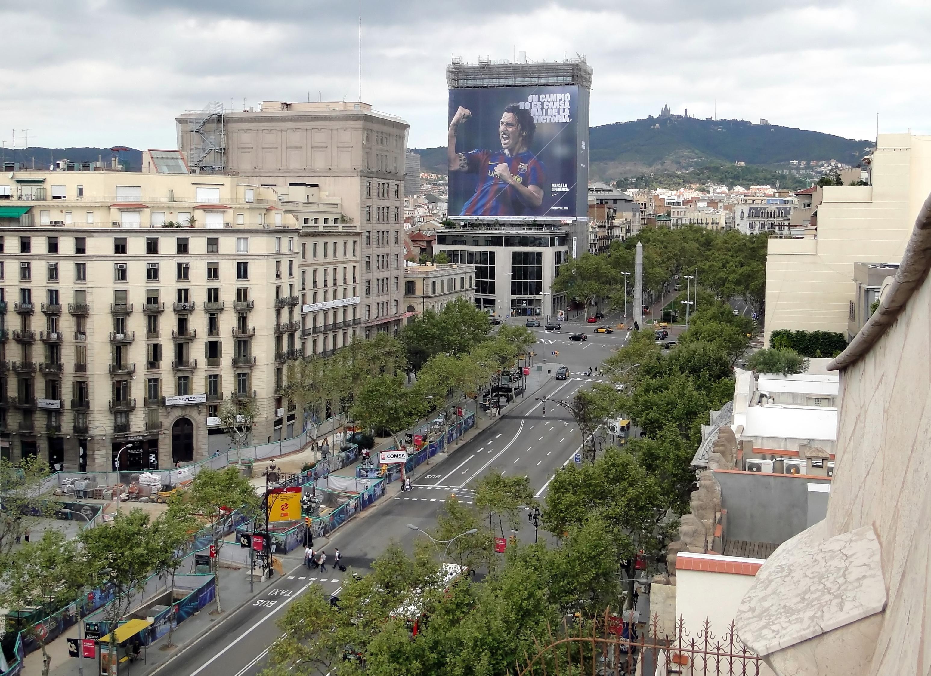 parking passeig de gracia en Barcelona.jpg